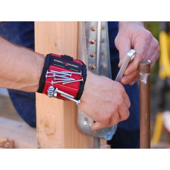 Магнитна гривна задържаща гайки и инструменти
